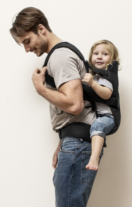 hip-friendly-back-baby-carrier-we--from-babybjorn